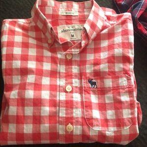 3 Abercrombie kids shirts (Boy )